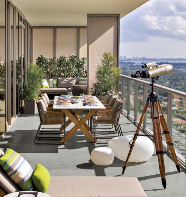 Balcony_HERO_600x636.jpg